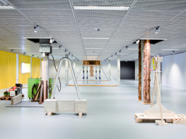 Vue de l'exposition Karsten Födinger