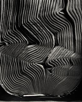 Book with Wavy Pages, 2001 © Abelardo Morell Abelardo Morell Book with Wavy Pages, 2001 © Abelardo Morell / Courtesy of the artist and Edwynn Houk Gallery, New York and Zurich