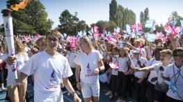 JOJ Lausanne 2020 Jeunes sportifs portant la flamme olympique DR DR