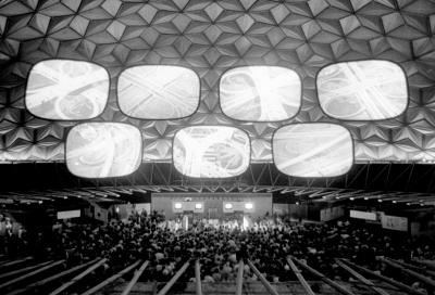 Charles et Ray Eames, Vue d'installation de Glimpses of the USA 1, 1959 Charles et Ray Eames © Eames Office, LLC