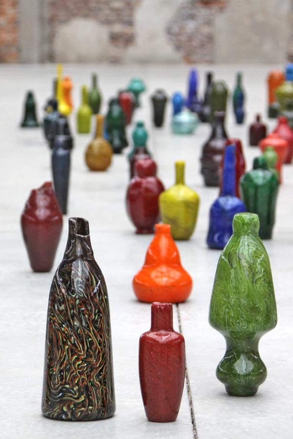 Blow Bangles Vue de l'installation Blow Bangles, 2012 François Daireau Guy Rebmeister