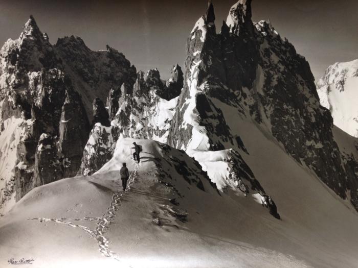 Massif du Mont-Blanc: alpinisme, vers 1960-1970 Roland Gay-Couttet © Hubert  Gay-Couttet et Samuel Gay-Couttet / Archives municipales de Chamonix  Mont-Blanc, photothèque historique, Fonds Gay-Coutte
