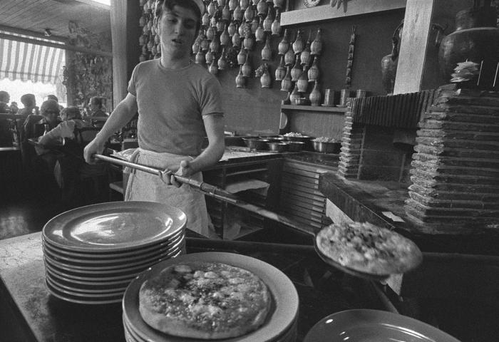 Pizzeria Da Mario, 1966-1967, Claude Huber Musée Historique Lausanne